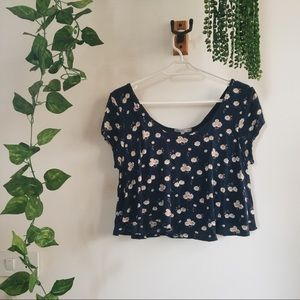 Daisy cropped top